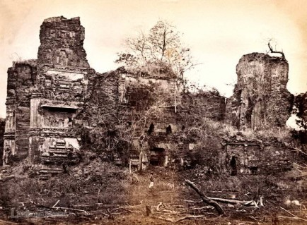 A ruined temple Pollonarwa, Ceylon 1880 to 1890