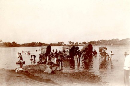 Bathing at Colombo, Ceylon 1910