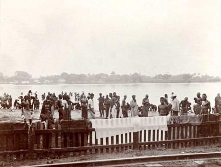 Natives washing in the lake at Colombo, Ceylon