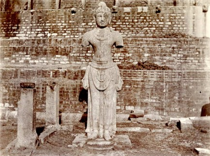 Stone figure of King Dutugemunu - the builder of Ruvanvelisaya's Dagoba in Anuradhapura, Ceylon