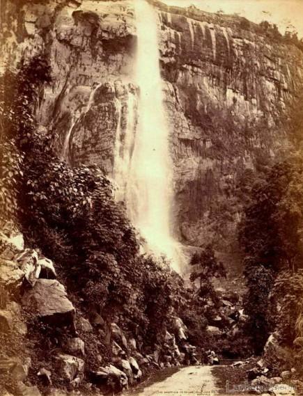 Diyaluma falls near Haputale, Sri Lanka