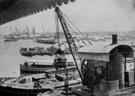 steam crane unloading coal at Colombo Harbor
