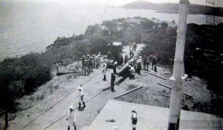 Mounting a naval gun at trincomalee